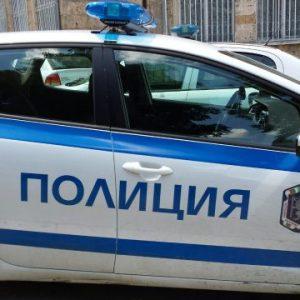 """Водач с """"Опел"""" катастрофира на разклона за Хитрино, 2 деца са леко ранени"""