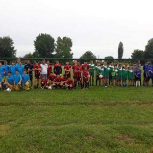 Деца от 4 тима в футболна надпревара на турнир в Каспичан