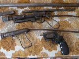 Иззеха барут и самоделни оръжия от жилище във Върбица