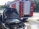 Огнеборци гасиха пламнал Фиат, пожар в стая и отпадъци