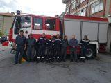 Огнеборци спасиха къща и автомобил от пламъци