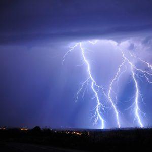 Оранжев код за интензивни валежи и гръмотевични бури в Шуменско