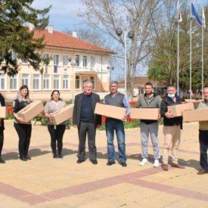 Християни и мюсюлмани получиха козунаци в община Никола Козлево