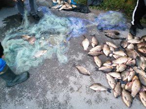 Задържаха топ бракониер с 80 кг. каракуда, дариха улова на дом за стари хора