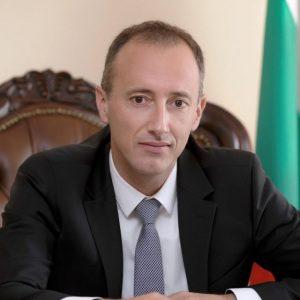 Красимир Вълчев: От 10 май още два класа се връщат в училище