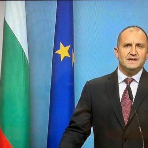 Президентът Радев поиска оставка на правителството и на главния прокурор